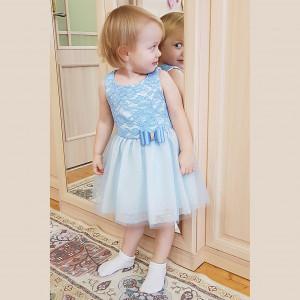 Платье голубое с кружевом и фатином